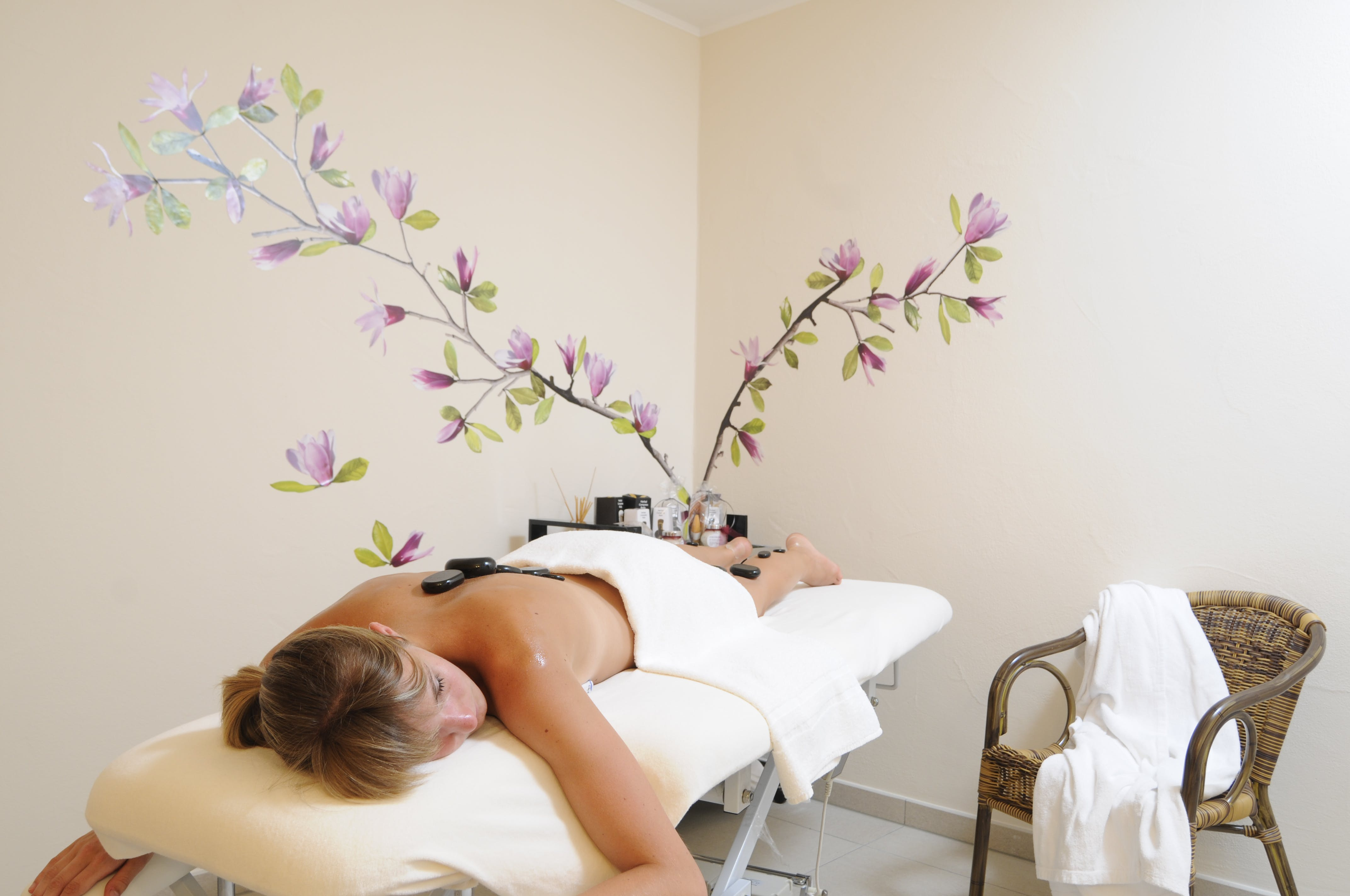 Cosy treatment rooms are waiting for you