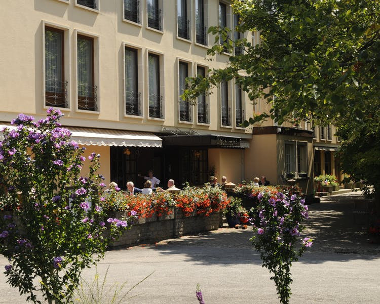 Hotel entrance with terrace Hotel-Restaurant Brimer Mullerthal