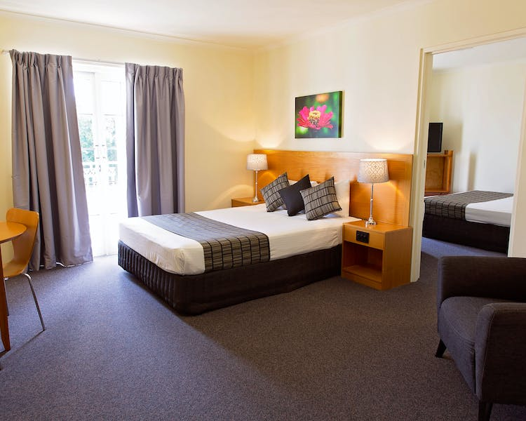 Two Bedroom Family Room White Lace Motor Inn Mackay