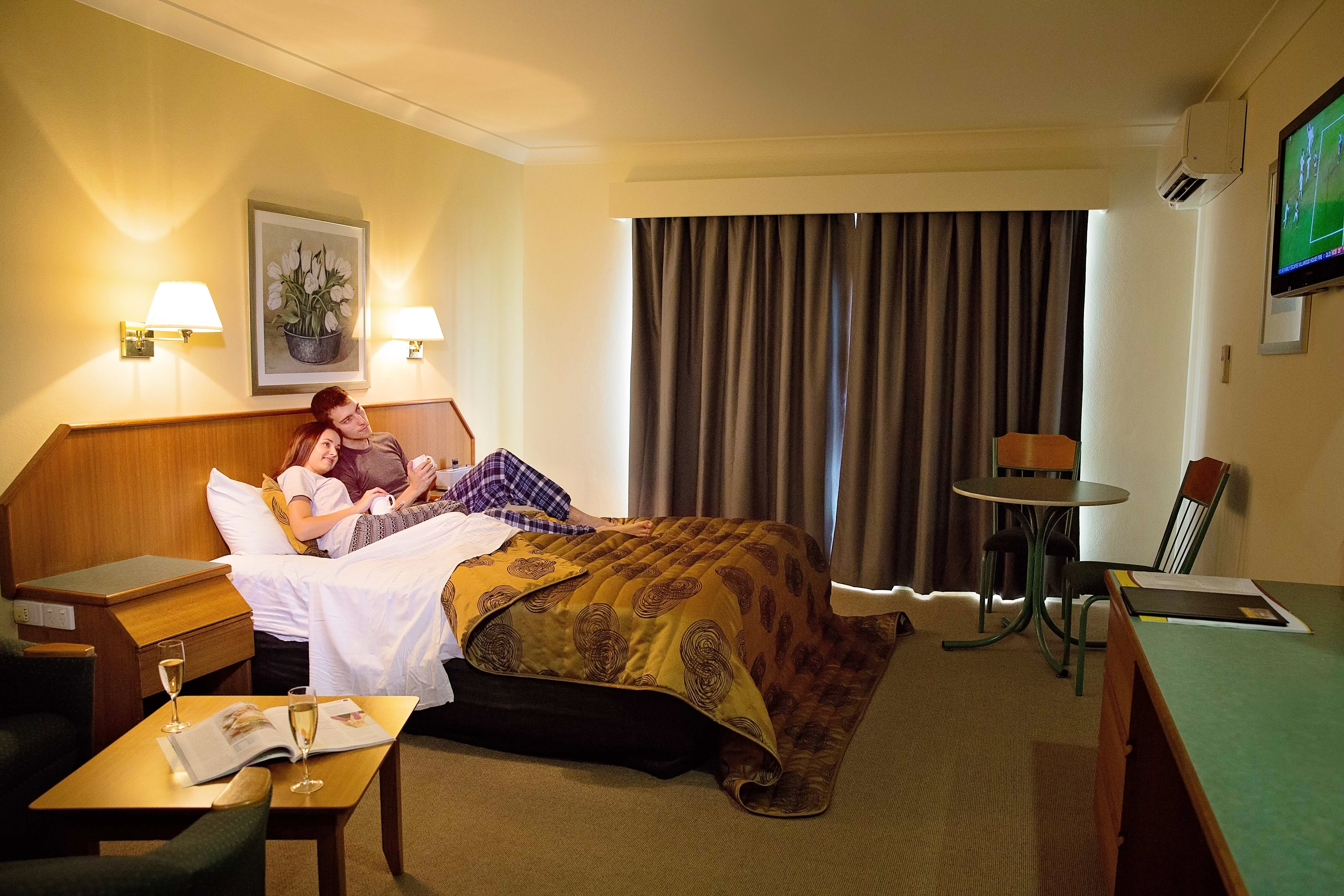 Superior Spa Room White Lace Motor Inn Mackay, Accommodation Mackay