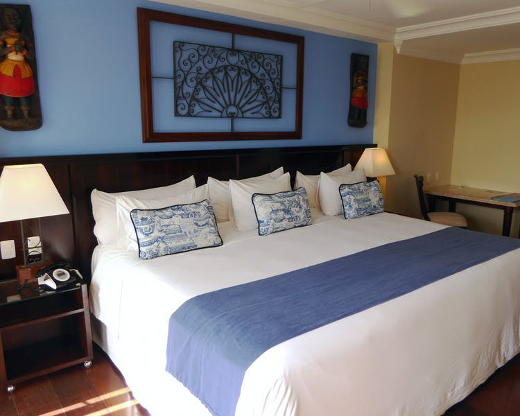 Hotel Casa Amarelindo DeLuxe Room Giant Bed Decoration