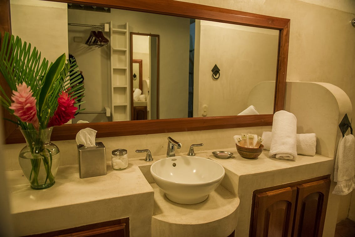 Bathroom of Heliconia King Suite