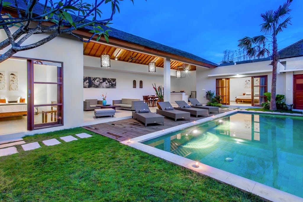 Welcome To Echo Beach Villa