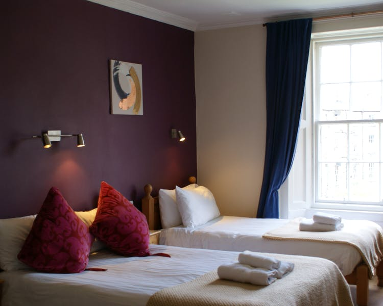 guest house B&B Edinburgh  Rugby Six Nations  accommodation Edinburgh  B&B Botanical Gardens New Town B&B Fringe Festival