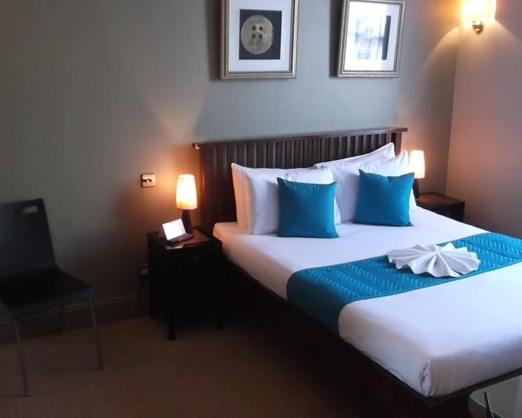 Spacious Double Room - New Madeira Hotel