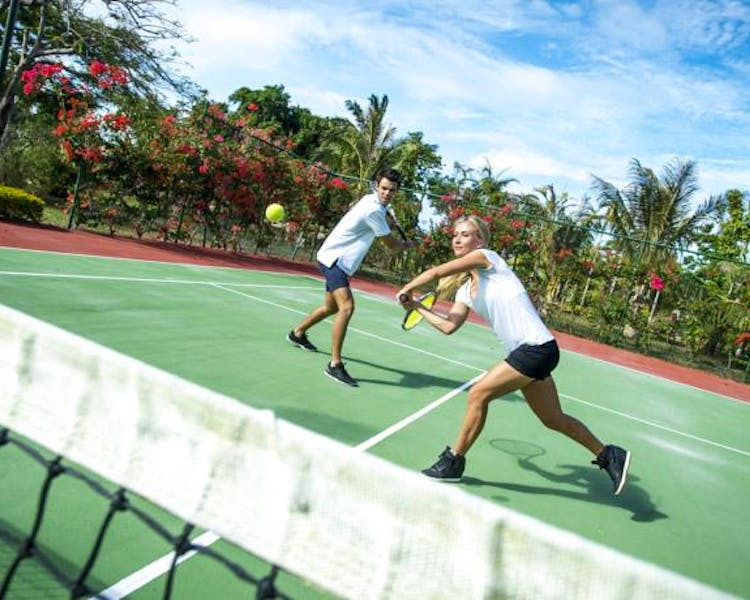 The Havannah, Vanuatu. Award winning Luxury resort  for couples,  romance, weddings and Honeymoon. Tennis