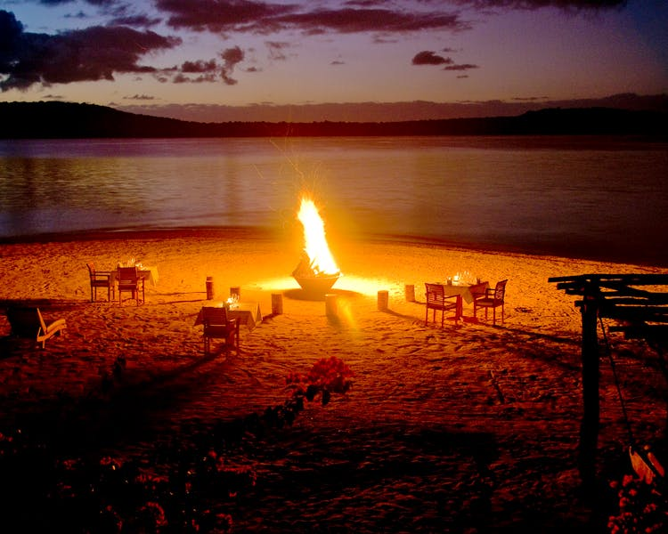 The Havannah, Vanuatu. Award winning Luxury resort  for couples,  romance, weddings and Honeymoon. Beach bonfire