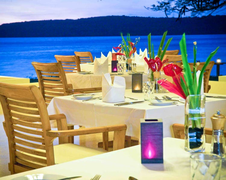 Restaurant The Havannah, Vanuatu. Award winning Luxury resort  for couples,  romance, weddings and Honeymoon.