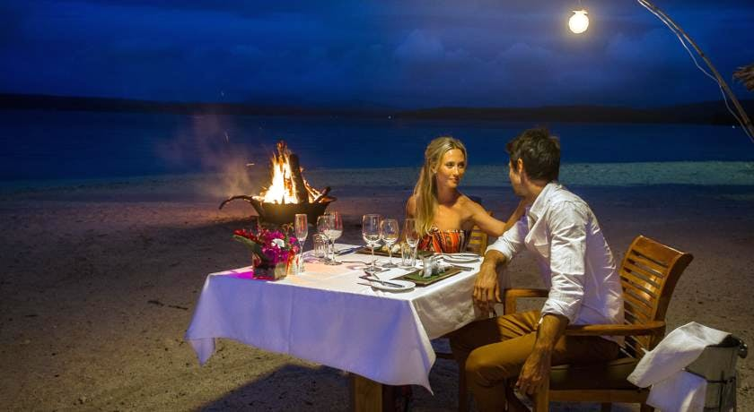 The Havannah, Vanuatu. Award winning Luxury resort  for couples,  romance, weddings and Honeymoon. Out door dining