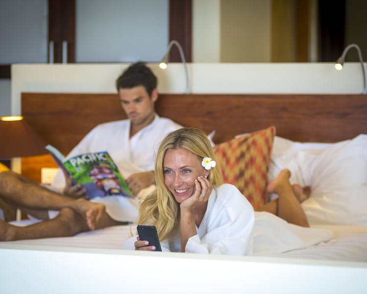 The Havannah, Vanuatu. Award winning Luxury resort  for couples,  romance, weddings and Honeymoon Waterfront Villa Wi- Fi