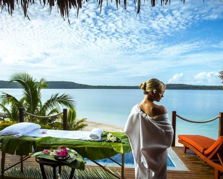 The Havannah, Vanuatu. Award winning Luxury resort  for couples,  romance, weddings and Honeymoon. Waterfront Villa