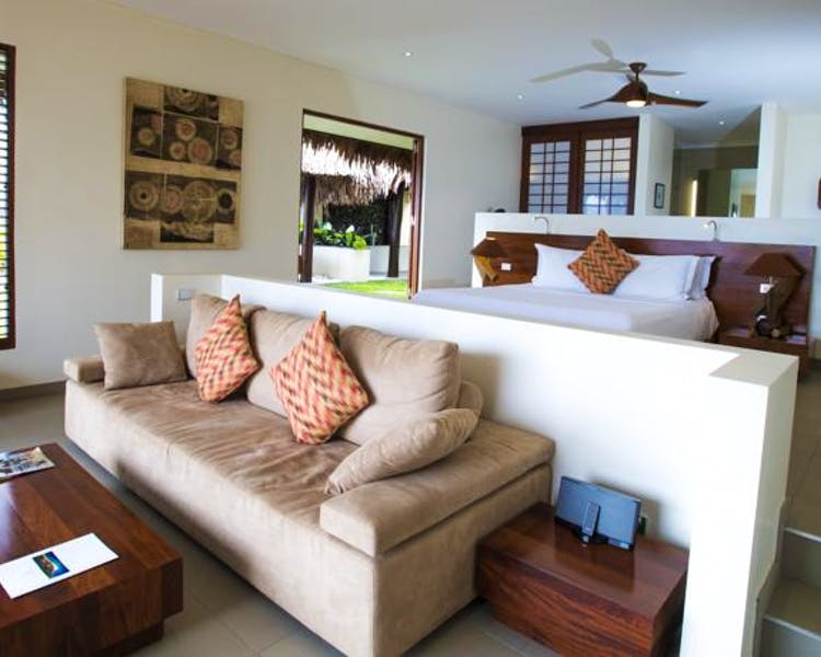 Deluxe Waterfront Villa The Havannah, Vanuatu. Luxury resort  for couples,  romance, weddings and Honeymoon.Room interior
