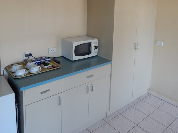 Executive Family Spa or Executive Family Double Kitchenette (sink on other bench)