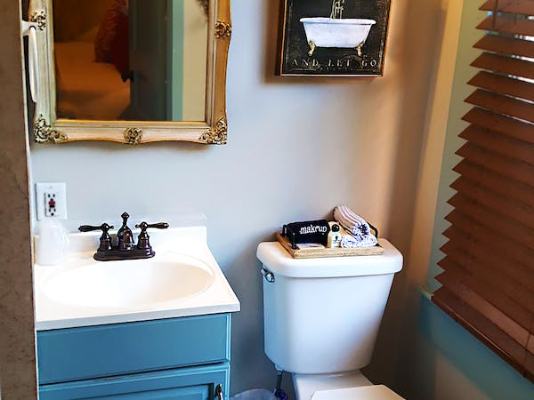 "<img src=""Zora Neals bathroom .jpg"" alt=""guest room historic BnB St. Augustine, fl"" title=""affordable luxury, reserve today"">"