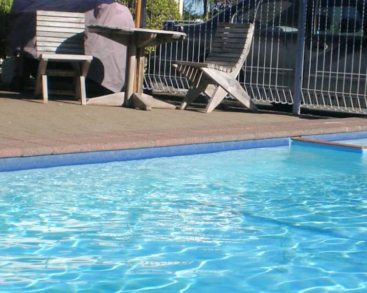 Motel Solar Heated Pool