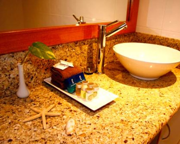 Resort Studio Bathroom