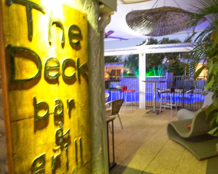 The Deck Bar, Point Samson Resort