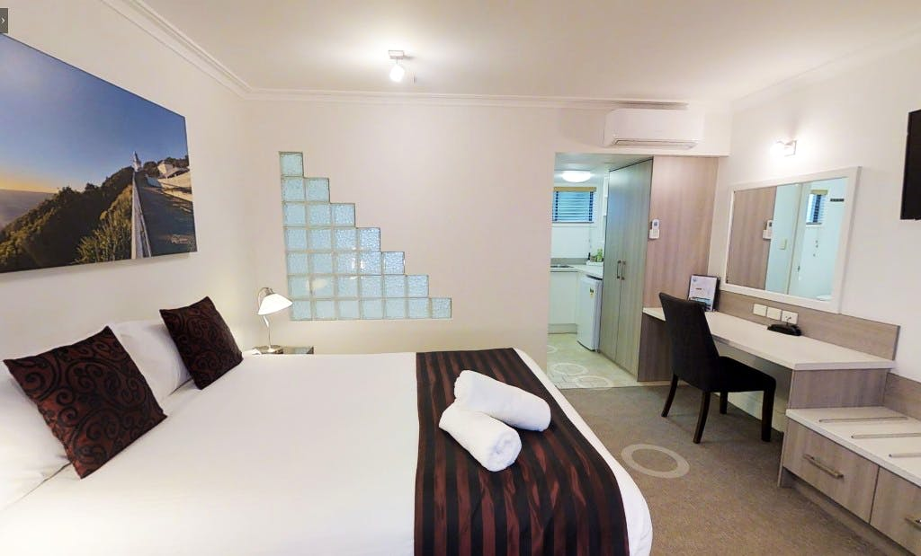 Queen Spa Room - Recently Refurbished