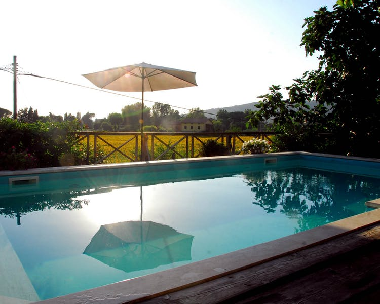relaxing swimming pool il sole del sodo