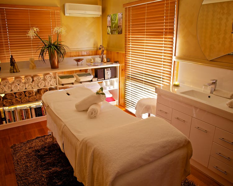 Venus Escapes therapies room