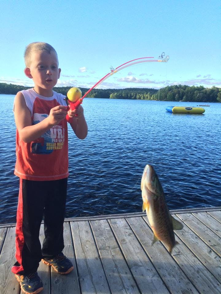 Kids love to go fishing on Walker Lake in Muskoka near Huntsville and Algonquin Park