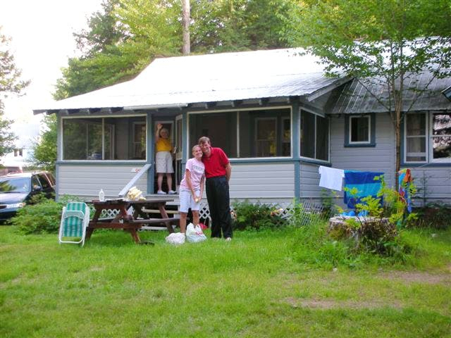 Muskoka family vacations and cottage rentals on beautiful Walker Lake in Muskoka near Huntsville and Algonquin Park