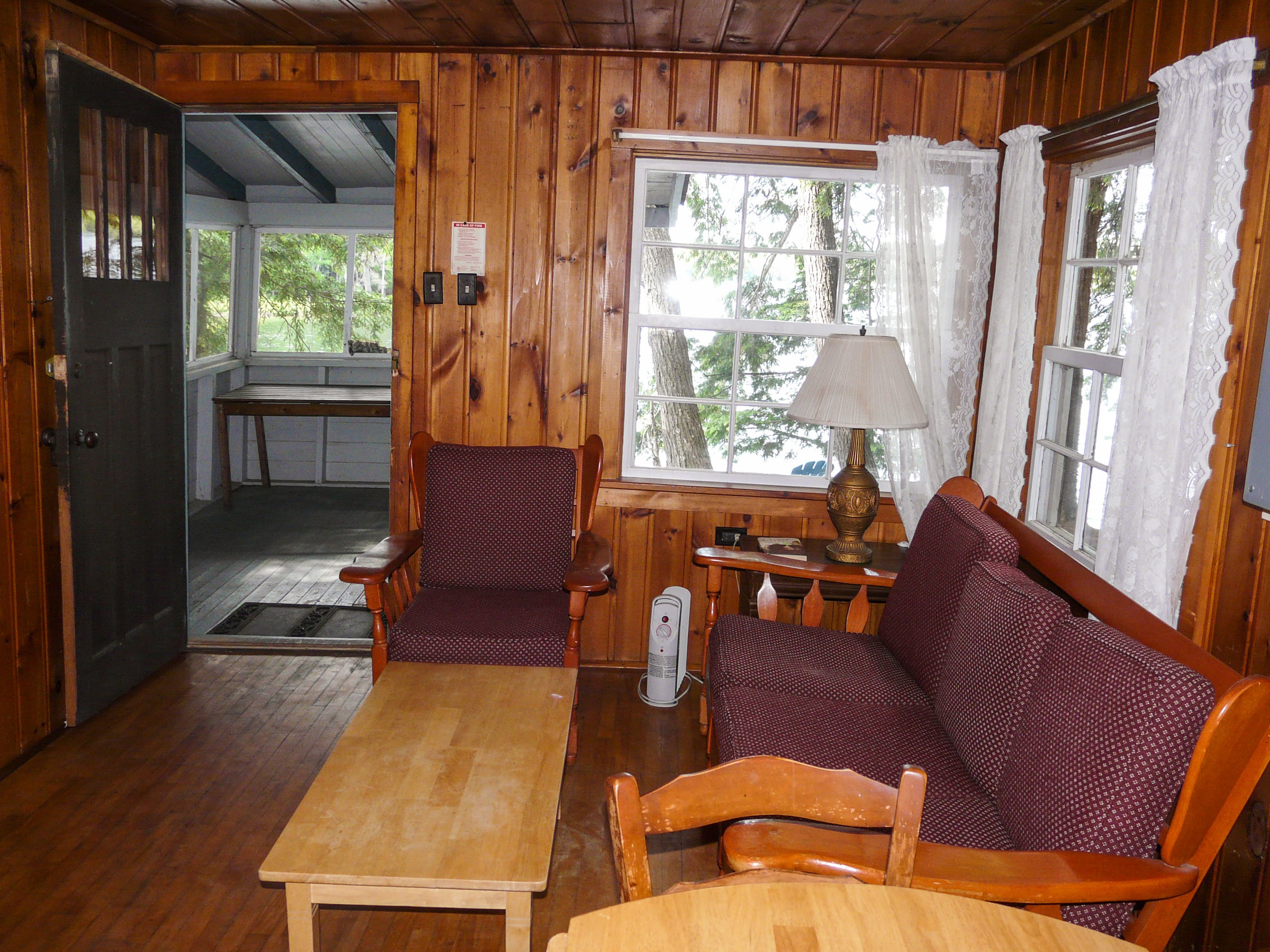 bedroom sun room muskoka rental on ontario rebecca master rentals cottage huntsville lake