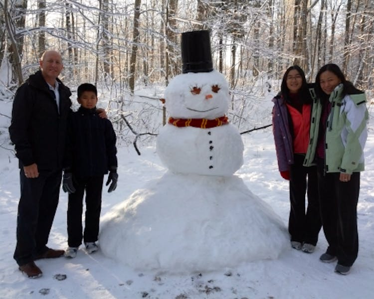 Make a family snowman together at Walker Lake Resort
