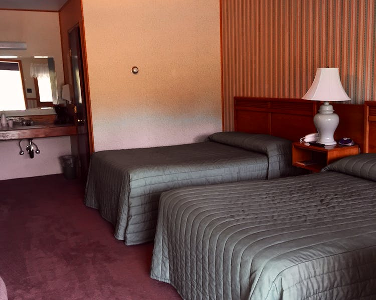 Double room with Two Double Beds Three Bears Tok Motel