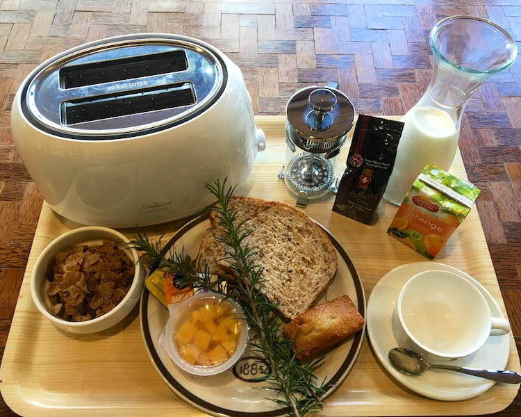 Continental Breakfast $12.00 pp