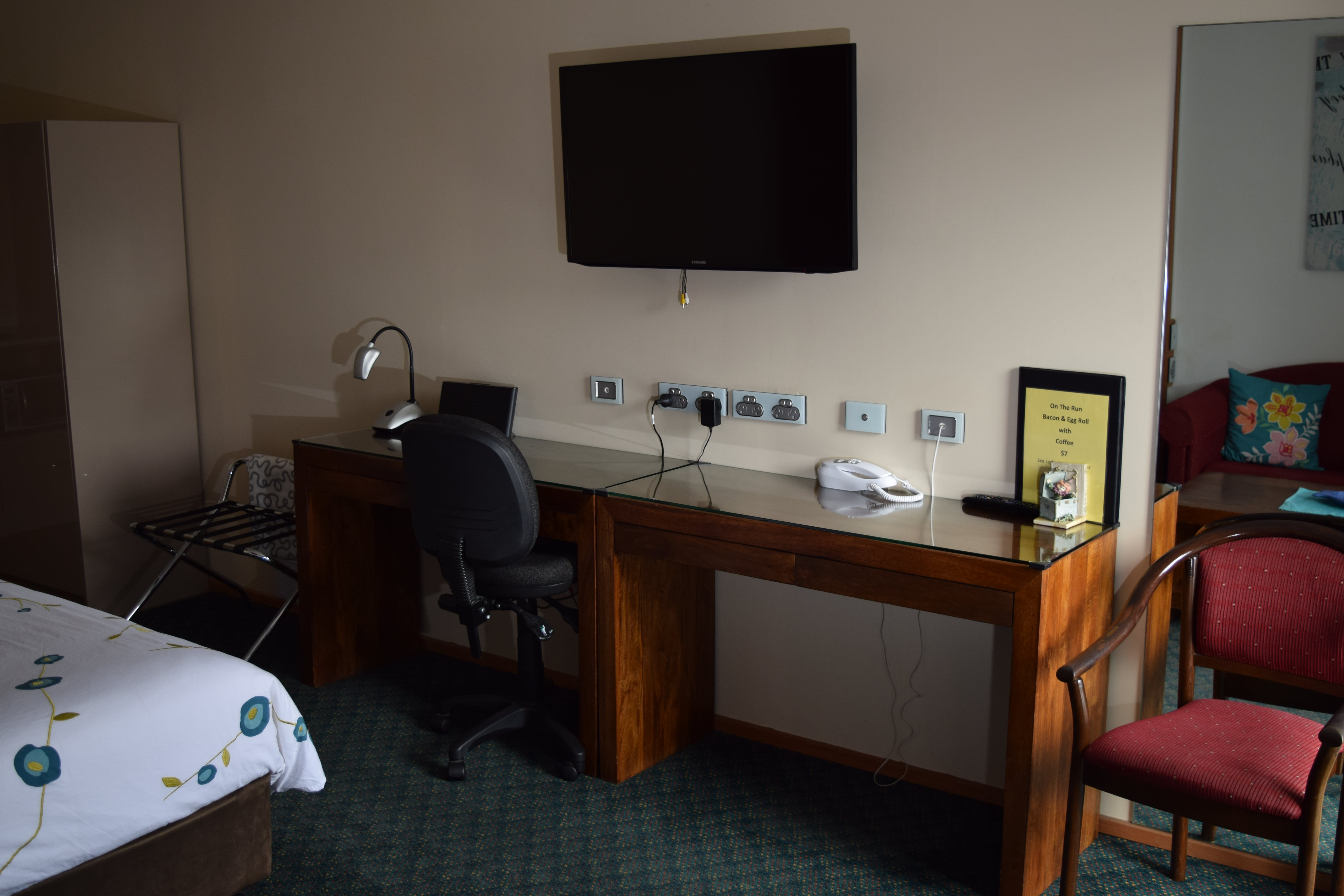 Executive Queen rooms have sofas or single beds (twins). All rooms have desk areas and wifi.