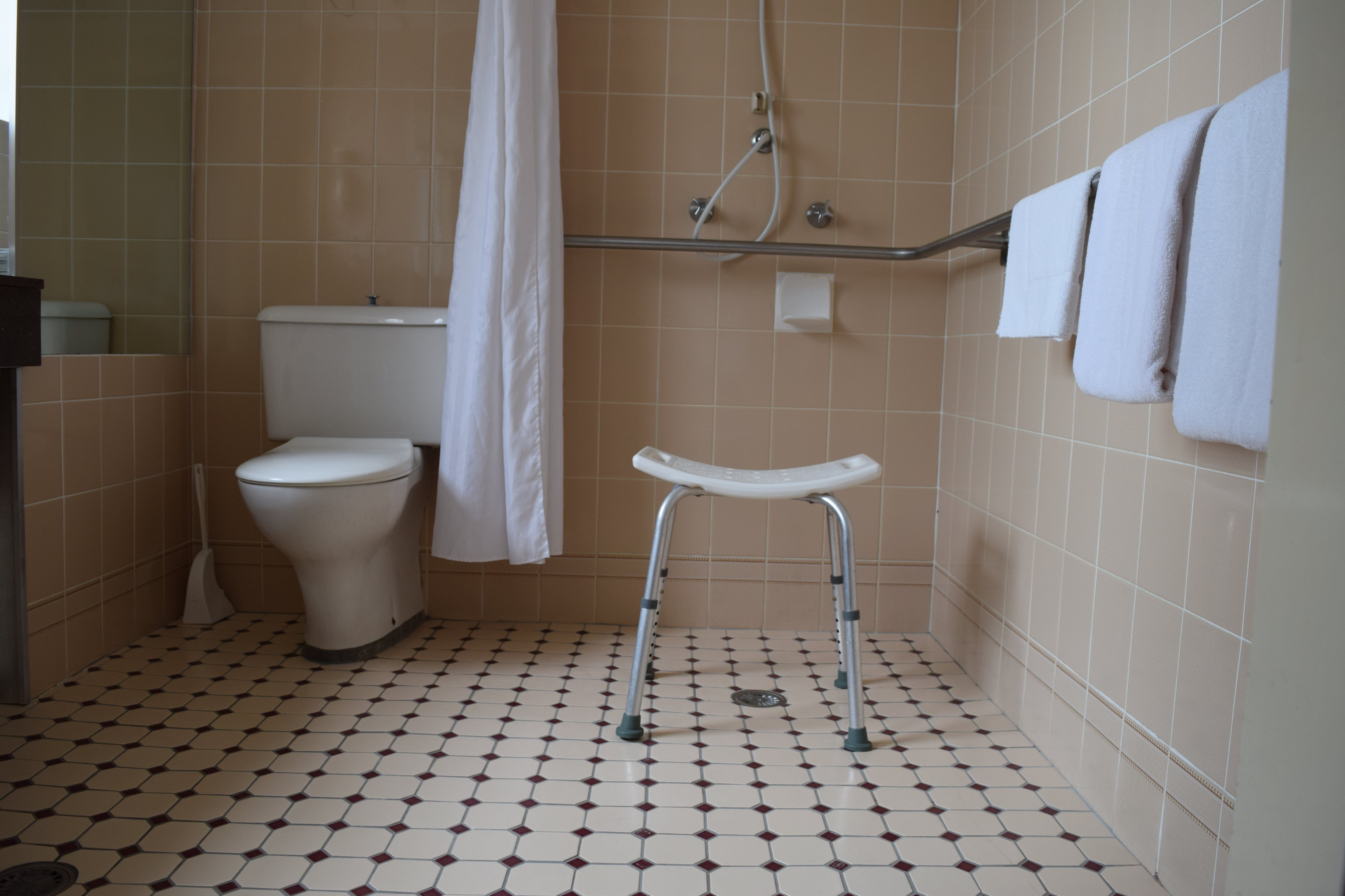 Queen Deluxe Bathroom also doubles as a wheelchair access room when required. Room includes a Queen and Single for carer.