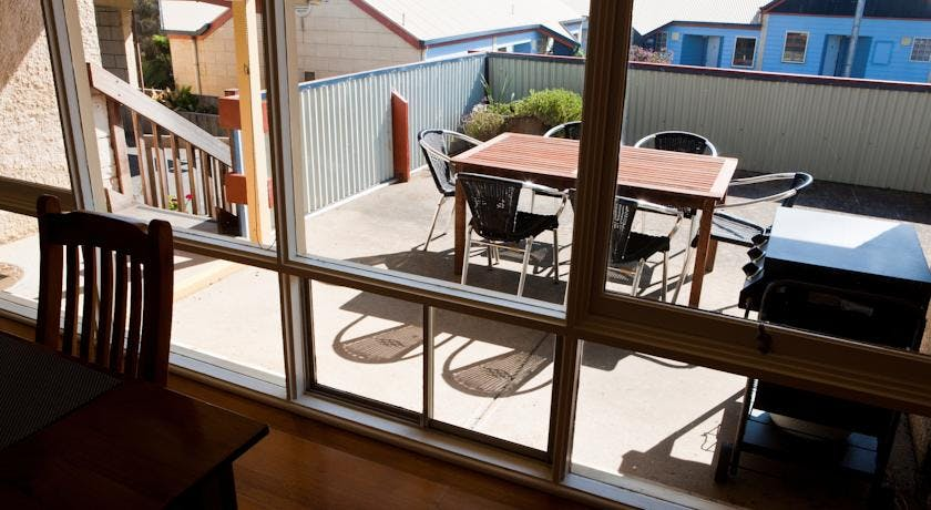 Portside Motel Port Campbell two bedroom apartment patio