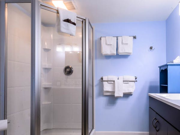 Affinity Suite Bathroom