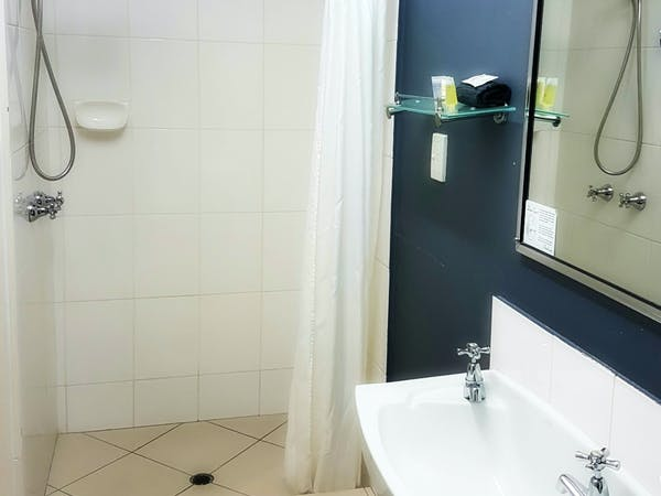 Bathroom in Deluxe standard rooms