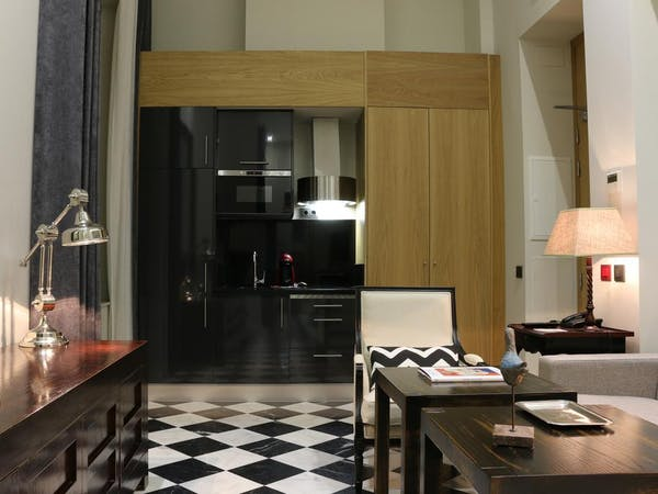 DELUXE one bedroom GROUND FLOOR. Aguilas5 SevillaSuites