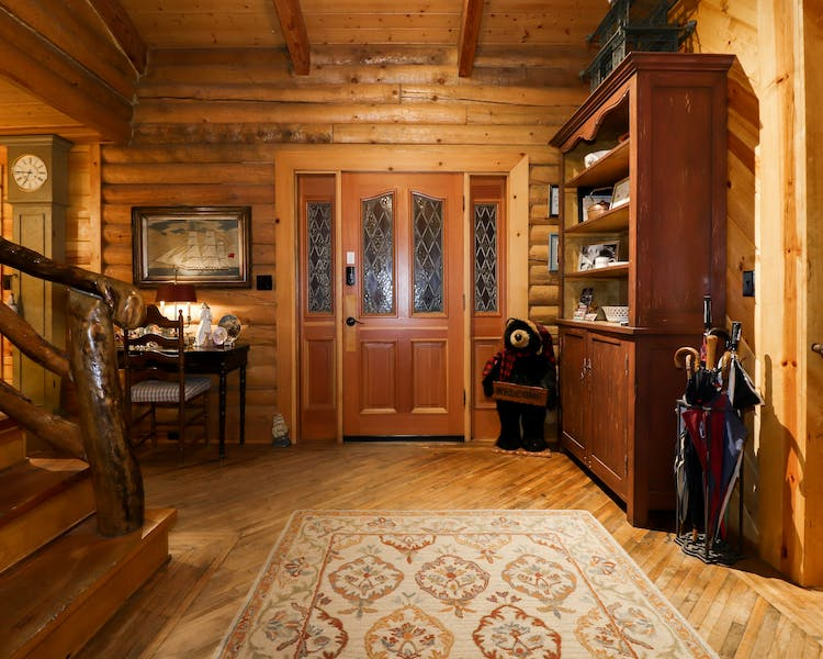Log home B&B on quiet north shore of Big Bear Lake