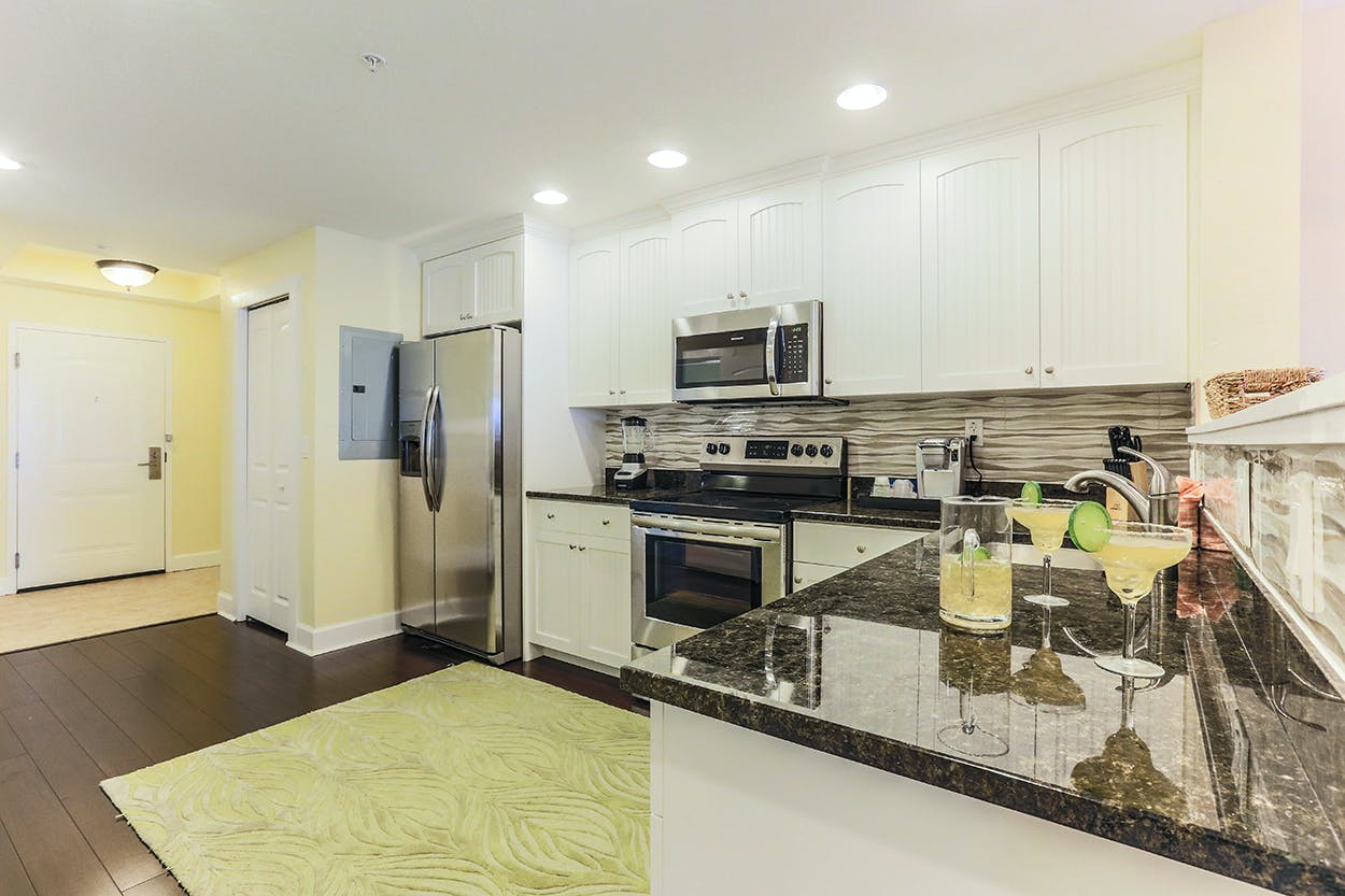 Harbourside At Marker 33, Indian Rocks Beach, 1 or 2 bedroom Condos. Full kitchen.