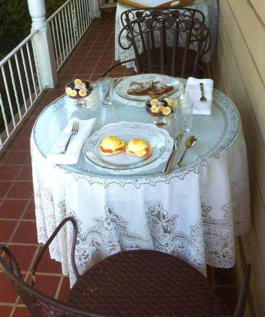 Gourmet dining on the veranda