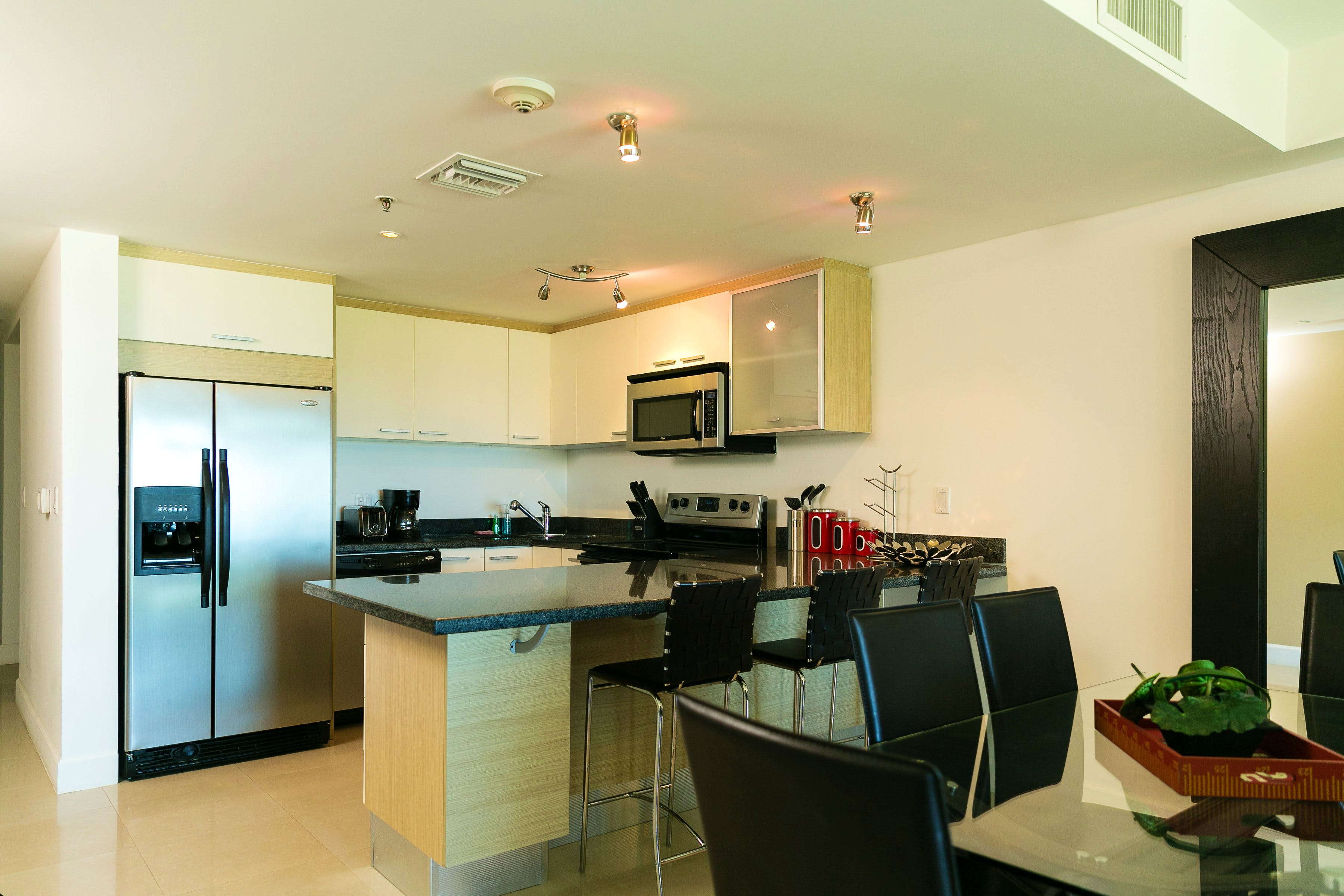 Apartment 346, Kitchen + Dining