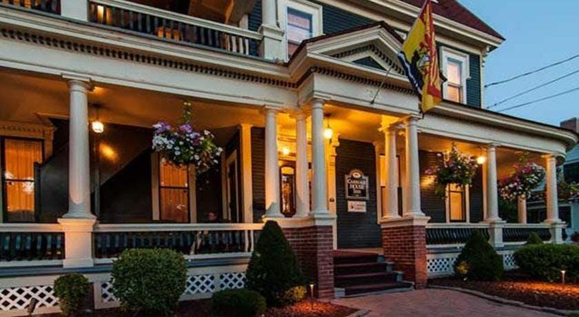 Carriage House Inn House Plan 2017