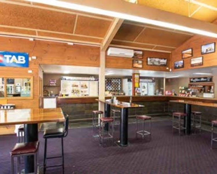 Leigh Creek Bar & Grill,Leigh Creek Outback Resort, Flinders Ranges accommodation