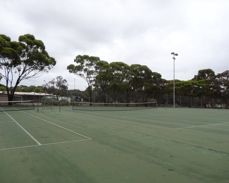 Tennis Courts, Leigh Creek Outback Resort, Flinders Ranges accommodation