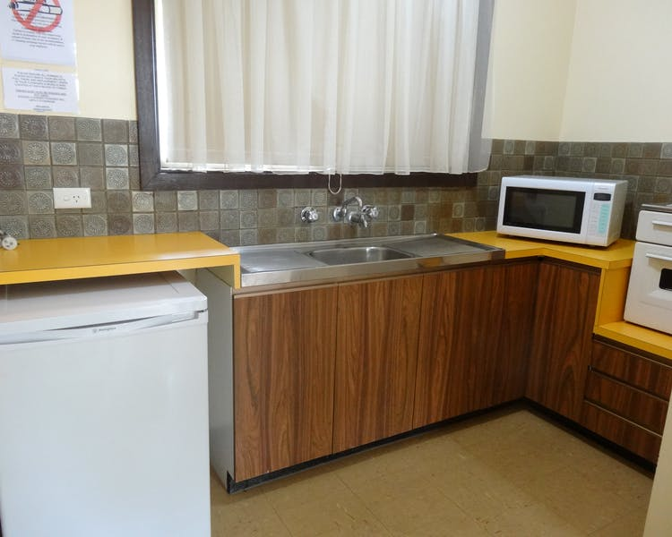 Kitchen, Cabins, Leigh Creek Outback Resort, Flinders Ranges accommodation