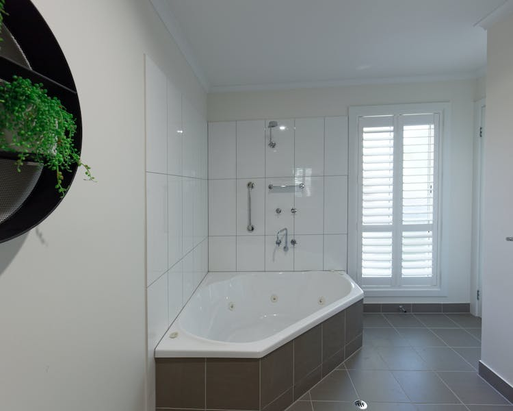 Inverloch accommodation The Sandy Mount Room 2 Spa Bath Inverloch 3996