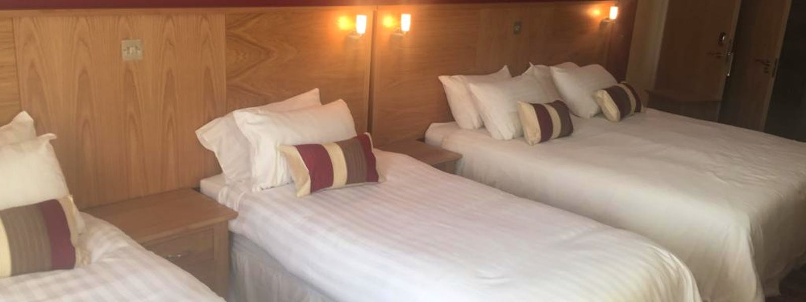 Deluxe Family Rooms