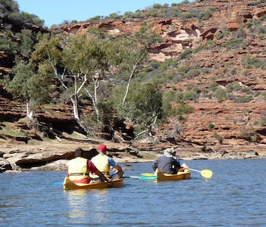 Kalbarri adventure tours, canoe the Kalbarri gorges and visit the Kalbarri Skywalks.