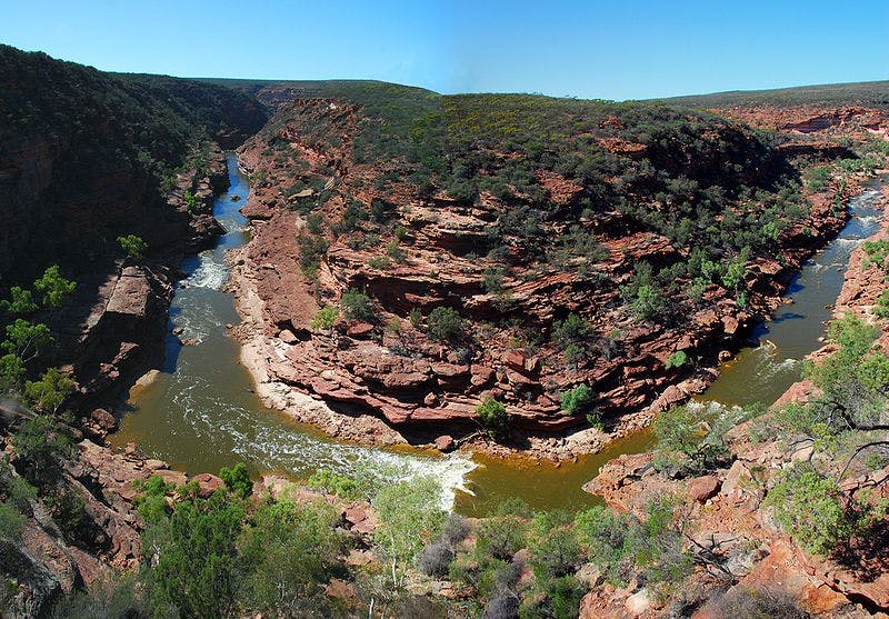 What to do in Kalbarri? Visit the Z-Bend, The Loop lookouts and Natures Window and book accommodation Kalbarri, WA.