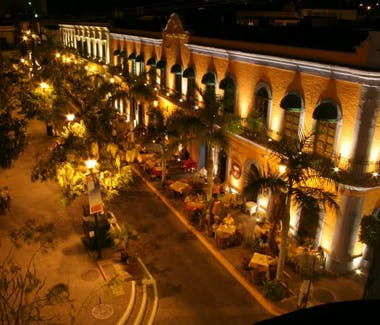 Plaza Machado at night.
