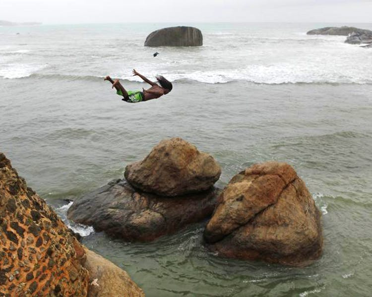 Cliff Divers Galle